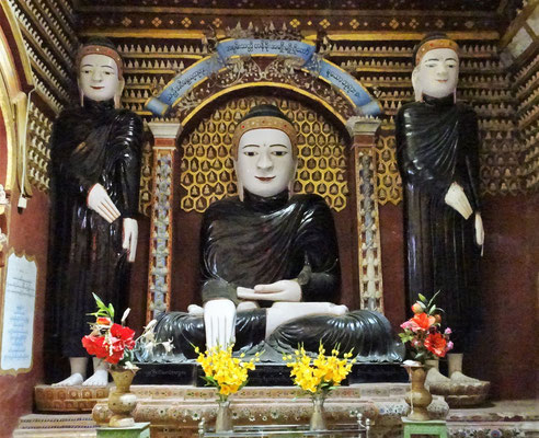 Ein Schwarz gekleideten Buddha den wir nur hier sahen.