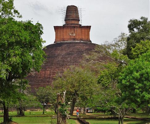 Für den Jetavaranama Stupa....