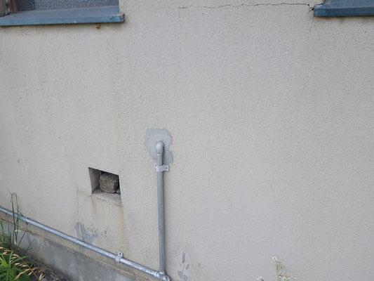 壁貫通部にモルタル施工