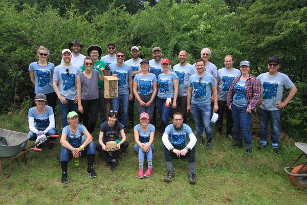 Vielen Dank an die Mitarbeiter der Firma XING für ihr Engagement und der Firma für ihre Spende fürs Projekt (Foto: A. Lampe).