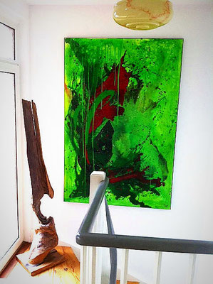 grünes Bild für Treppenaufgang