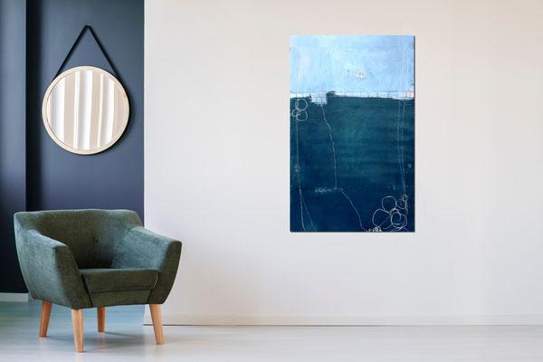 abstraktes blaues Bild im blauen Raum