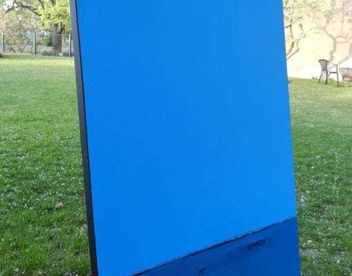 seitliche Ansicht blaues Gemälde