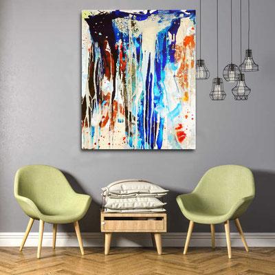 blaues Kunstwerk im Raum