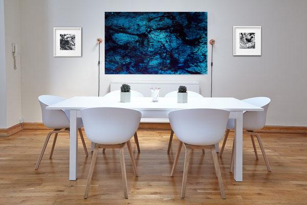 bild im Raum blau