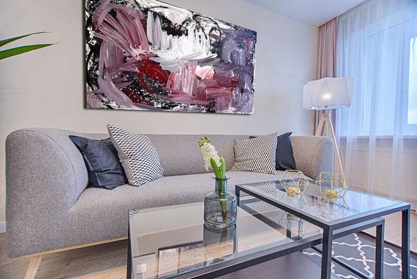 großes Bild über Sofa