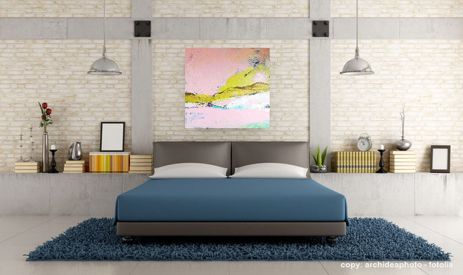 rosa Bild im Wohnraum