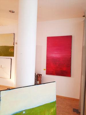 rotes Bild an der Wand