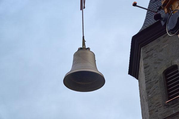 20.03.2017 Hochziehen der neuen Glocken