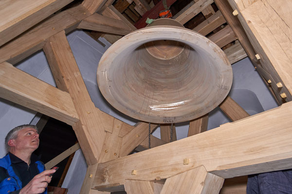 21.03.2017  der Glockenstuhl ist aufgebaut