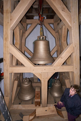 21.03.2017  der Glockenstuhl wird aufgebaut