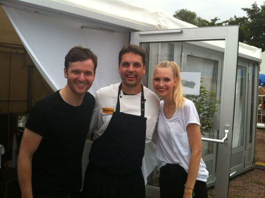 Stefan Breunig mit Carolin Niemczyk und Daniel Grunenberg von Glasperlenspiel