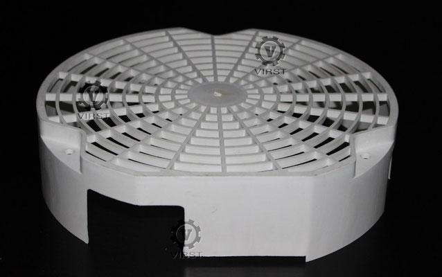 Решетка вентилятора. Пресс-форма изготовлена на нашем предприятии. Вес формы 600 килограмм. Материал изделия армамид. Вес изделия 300 грамм.
