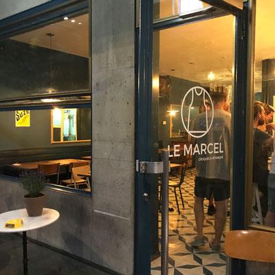 Compteur de points de pétanque au Café Marcel de Genève