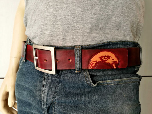 cintura in cuoio artigianale