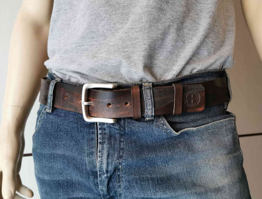cintura artigianale in cuoio