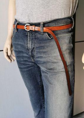 cintura in cuoio chiaro