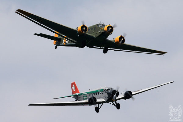2x Junkers (Ju-52)