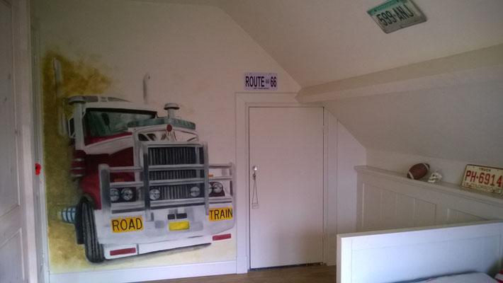 Amerikaanse truck op kinderslaapkamer