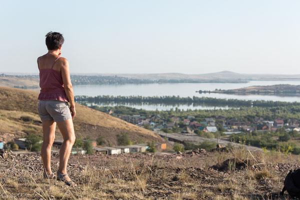 Hier gab es bereits ein paar Berge von denen man die Aussicht über die Stadt genießen konnte.