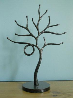 arbre à bijoux à boucle
