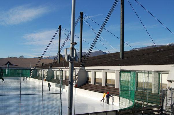 Eislaufen, Eisstockschiessen Plauschhockeymatch