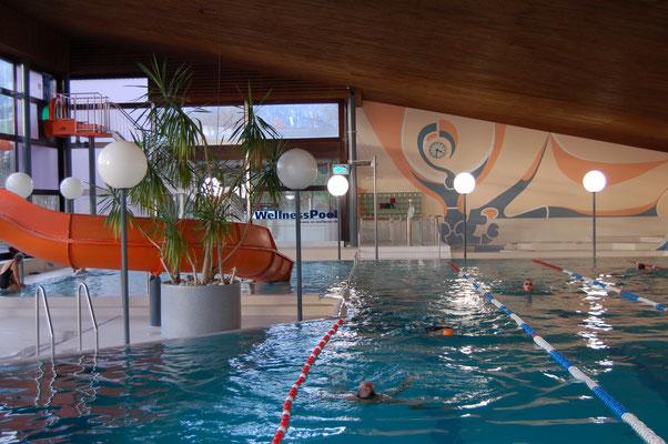 50  m Hallenbad und 25 m Hallenbad plus Wellness Pool