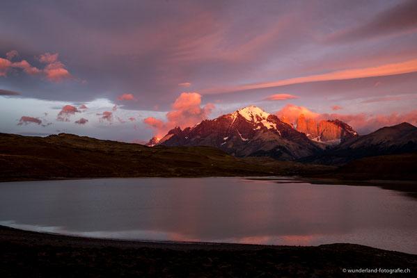 Sonnenaufgang in Torres del Paine