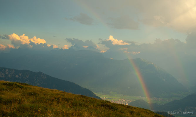 Regenbogen über Interlaken