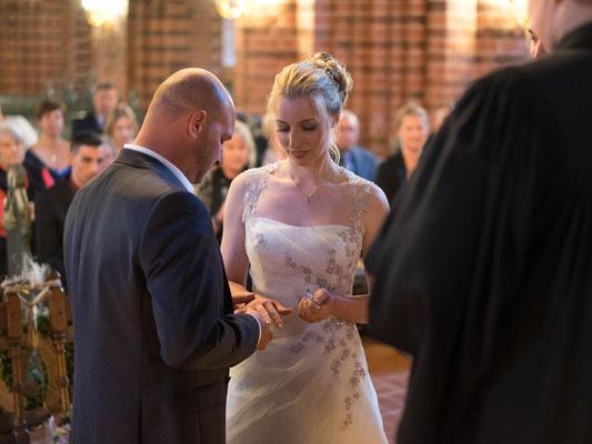 Kirchliche Trauung im Meldorfer Dom - Hochzeit Fotograf Meldorf