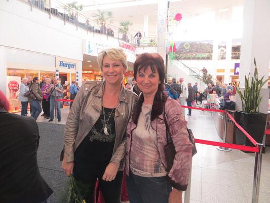 """Claudia Jung & Ingrid Lindner aus Waldheim (Sachsen) - Promo Tour """"Seitensprung"""" in Chemnitz - März 2015"""