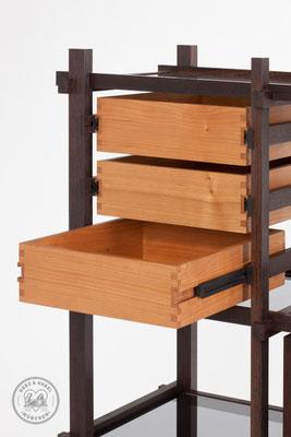 Raumteiler | Schubkästen mit Holzvollauszügen