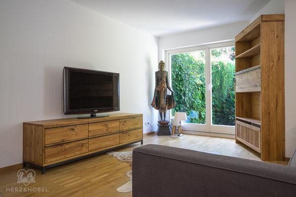 Sideboard | Barschrank | Eiche massiv | Herz & Hobel | Schreinerei München