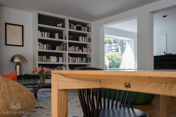Wohnzimmer | Esstisch | Eiche massiv | Oberfläche geölt | Herz & Hobel | Schreinerei München