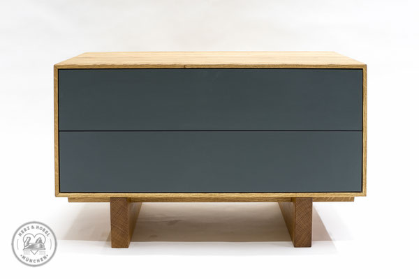 Lowboard | Eiche massiv, geölt, Linoleum