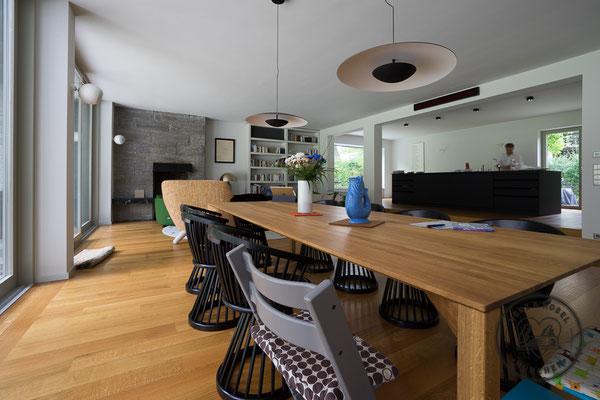 Wohnzimmer | Esstisch | Buchregal | Sideboard | Herz & Hobel | Schreinerei München