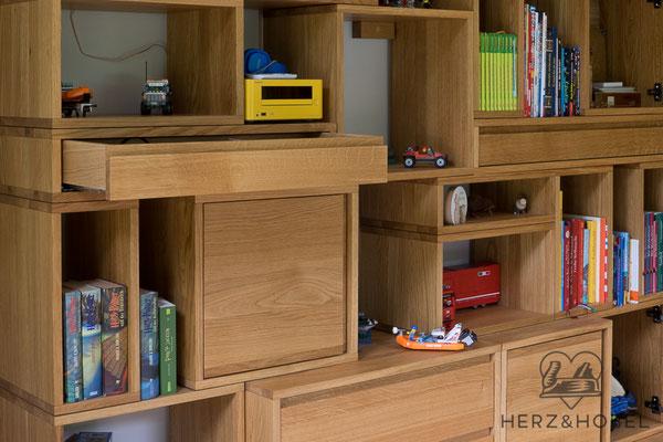 Kinderzimmer | Modulares Regal | Eiche massiv | Oberfläche geölt | Herz & Hobel | Schreinerei München