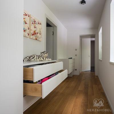 Sideboard | Wäschekommode | Lack & Eiche massiv | Herz & Hobel | Schreinerei München
