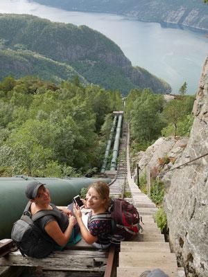 Flørlitreppen - die längste Holzreppe der Welt....es zieht sich und schwindelfrei muss man sein