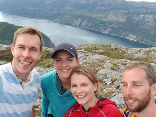 Unsere Wandertruppe Siebert, Sandra, Simon und ich
