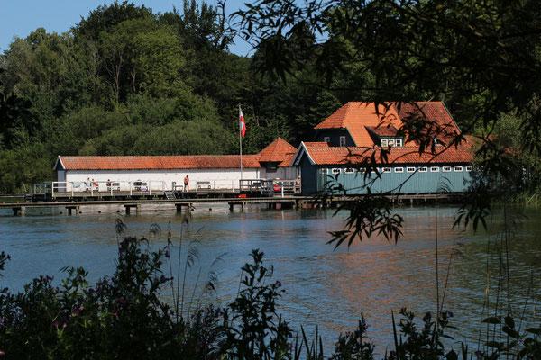 Die historische Badeanstalt am Eutiner See