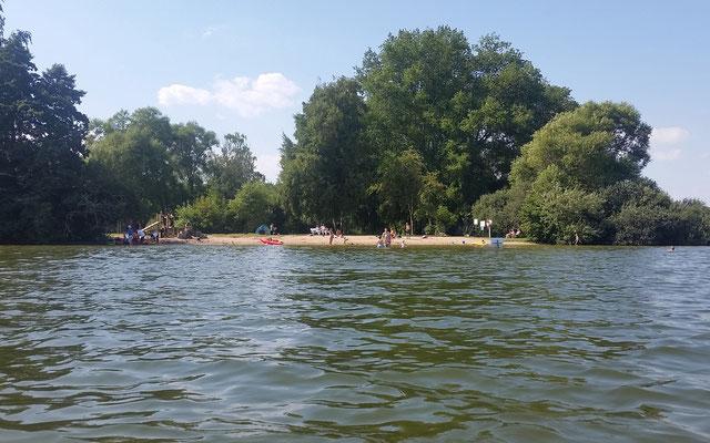großer Badestrand am Kellersee