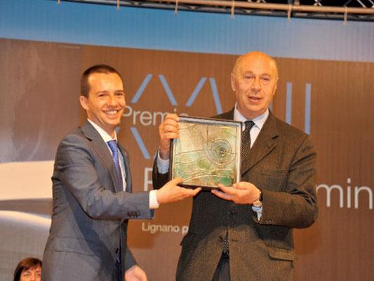 Il Sindaco Avv.to Luca Fanetto premia Paolo Mieli