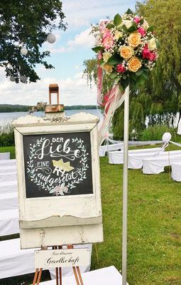 Bild: Hochzeitstafel von AMG-FREIE REDNERIN Cinderella-Trauung im Seehotel Töpferhaus