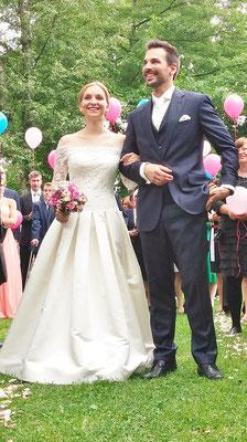 Bild: Brautpaar AMG-Freie Rednerin im Strandhus