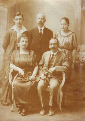 Hinten: Eduard, Oskar, Tea, vorne: Minna und Adolf, Drohobycz ca 1922