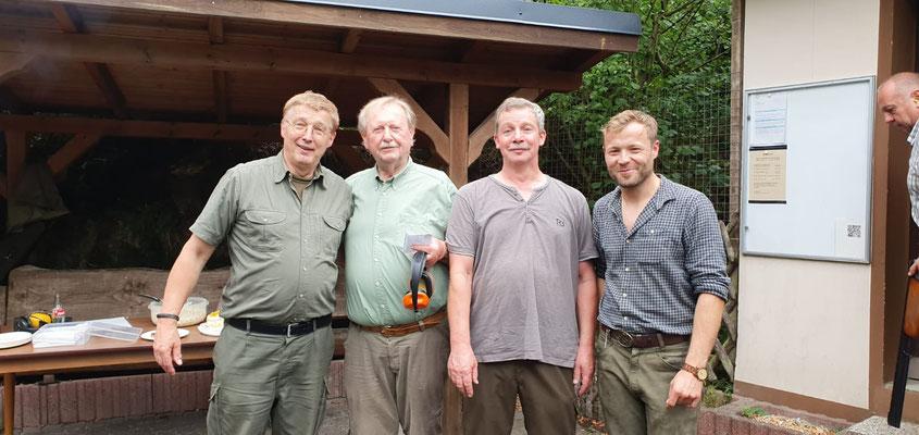Hans-Dieter Lohmberg (3. v.l. ) 25 Jahre Mitgliedschaftsehrung
