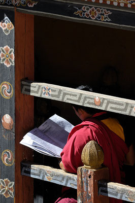 Monks in Trongsa Dzong