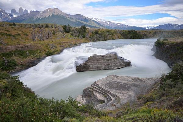 Cascada Paine - Torres del Paine NP