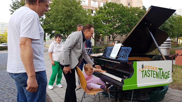 Piano Musik Leipzig Grünau Markt